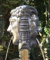 janus_statue_250